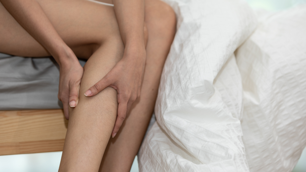 woman with leg pain from herniated discs